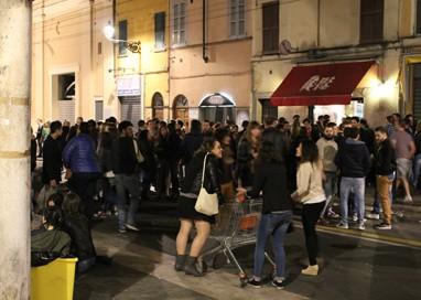 """Comune e commercio: nel 2016 """"demolita"""" la movida in via D'Azeglio"""