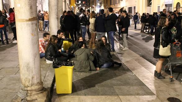 Movida: un altro locale colpito in via D'Azeglio