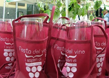 In Via Bixio si brinda per la Festa del vino