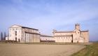 Paradigna (Parma), Abbazia Valserena, la sede CSAC vista da Sud, foto di Paolo Rosselli; particolare dell'esposizione interna