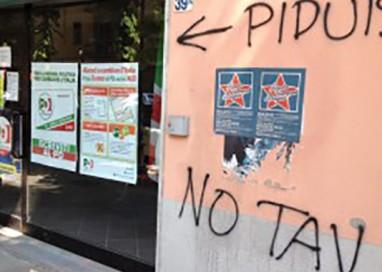 Ancora vandali e scritte contro Pd e Pagliari