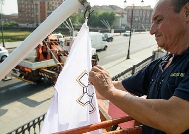 Il Ponte delle Nazioni ha di nuovo le sue bandiere