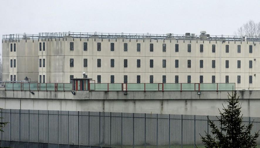 Mensa di scarsa qualità in carcere, agente penitenziario intossicato