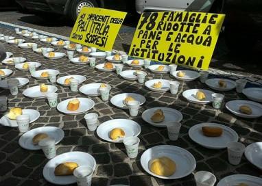 Protesta dei lavoratori Pali Italia al Tribunale