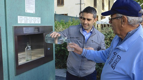 """""""Casette dell'acqua"""" pubblica, nessuno vuole brindare con il sindaco"""