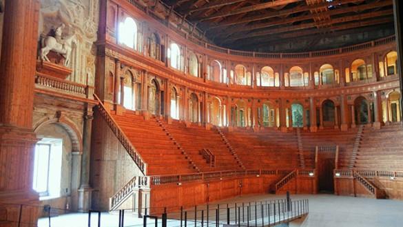 Teatri da visitare, il Farnese tra i 10 più belli d'Italia