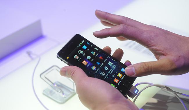 Rubano tablet e smartphone nell'azienda in cui lavorano