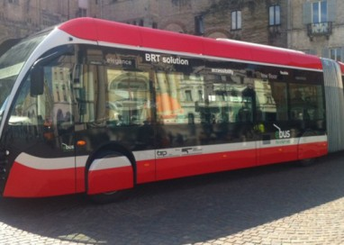 """Pedonalizzato tratto del Lungoparma, per i """"nuovi"""" bus"""