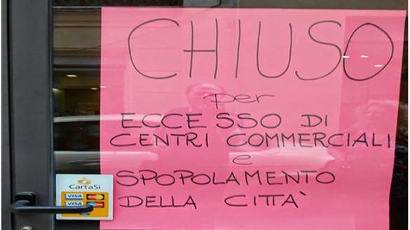 """Commercio: Parma nel 2015 """"perde"""" 104 negozi"""