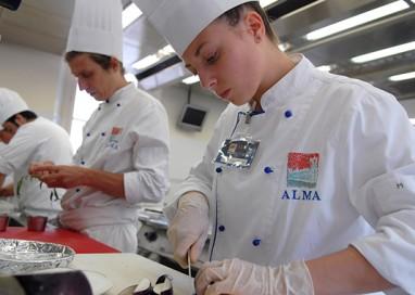 Alma, con Cene d'Autore si impara cucinando