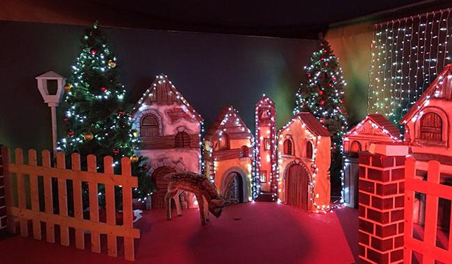 Il Percorso Di Babbo Natale.E Arrivata La Casa Di Babbo Natale In Cittadella Parmareport