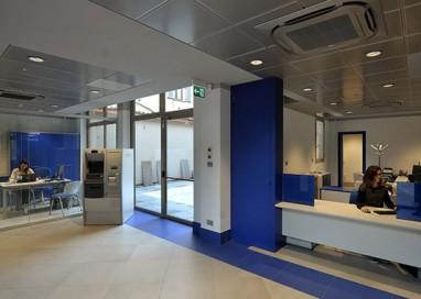 La banca di Parma apre, torna un istituto del territorio
