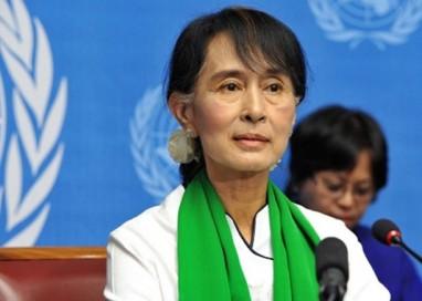 Aung San Suu Kyi, a capo della Birmania. Festa a Parma