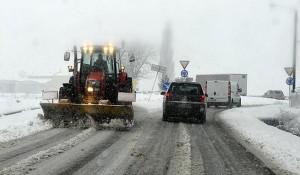 Parma, 11.02.2013 - Maltempo: abbondante nevicata in città. Parmigiani sotto la neve. FOTO MARCO VASINI (copyright) Cell. 339.4333787 E-mail vasinimarco@libero.it