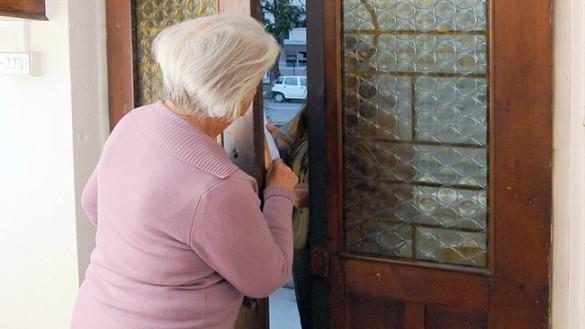 """""""Siamo del controllo di vicinato"""". Truffata anziana a Collecchio"""