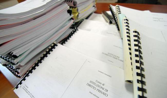 Libri universitari fotocopiati, fiamme gialle in copisteria