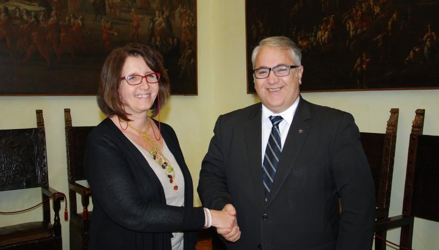 Senatore romeno Badea in visita in Comune