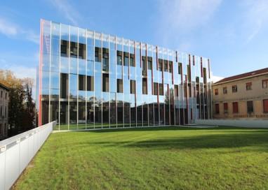 Vespa Club di Collecchio in visita in Ospedale