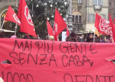 Protesta in Piazza contro i tagli in b.go Bosazza