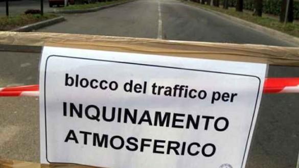 Blocco del traffico: partita e maltempo al centro della polemica
