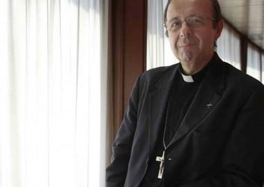 """Il Vescovo: """"Crisi non finita solo perché se ne parla meno"""""""