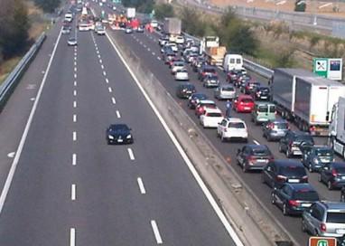 Autostrada A1, otto chilometri di coda. Uscita consigliata a Parma