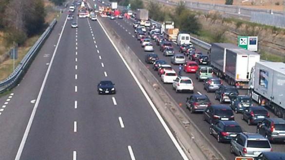 Incidente in A1 a Fidenza tra due auto, 4 feriti di cui uno grave