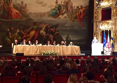 A Parma il commissario europeo alla Migrazione Avramopoulos