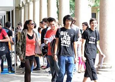"""Università di Parma: gli studenti inventano le """"Unioni affettive"""""""