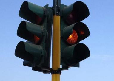 Nuovo semaforo tra via Mentana e via Garibaldi: costo 60mila euro
