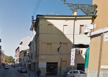 Ladri nel salone di un barbiere in via Imbriani: scappati col bottino