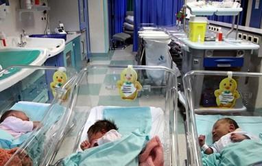 Bimbo nasce in macchina sul Ponte Italia sotto il diluvio