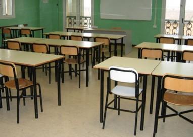 """15enne rompe il naso all'insegnante: """"Servono provvedimenti penali"""""""