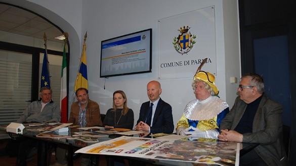 Maschere italiane a Parma torna a colorare le vie del centro