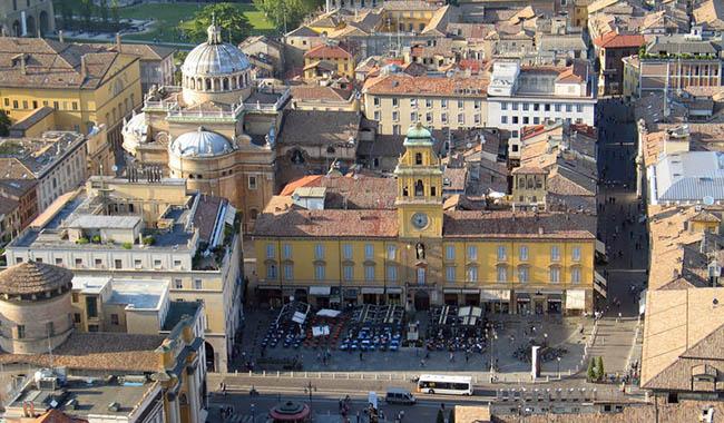 """Parma in Centro su Ass. Benassi: """"Registriamo la sua ipocrisia politica"""""""