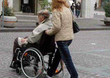 """Cede """"vecchietto"""" ad altra badante e pretende 300 euro: condannata"""