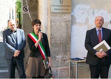 Restaurata la lapide dedicata a Cesare Battisti