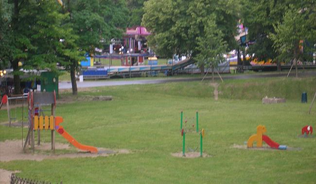 Stop ai diserbanti nelle aree verdi delle scuole e nei parco giochi