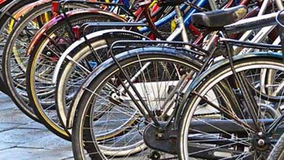Nascondeva cento biciclette in casa: denunciato 80enne