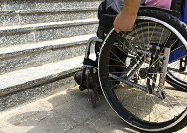 """Alba: """"Nulla è stato fatto per agevolare la vita dei disabili in città"""""""