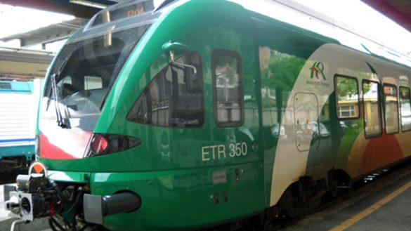 Disavventure per i pendolari Brescia-Parma, tra ritardi e bus invisibili