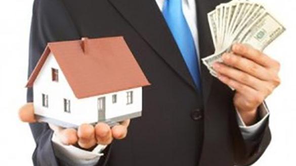 Si intasca due milioni di euro, la truffa di un agente immobiliare