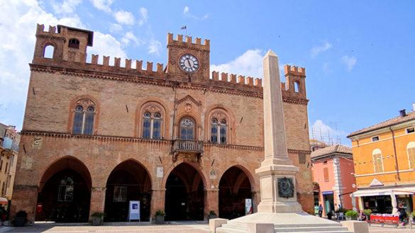 Svago e shopping nel centro storico di Fidenza