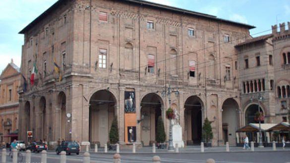 2 giugno, Fashion Night a Ozzano e negozi aperti in centro