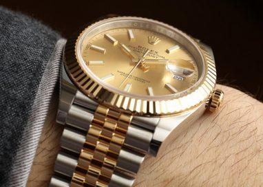 Vendeva Rolex falsi al mercatino dell'usato, denunciato