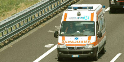 ambulanza-in-autostrada