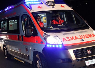 Ragazzo di 24 anni muore in incidente in moto