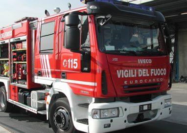 Incendio a Sanguinaro: distrutto il capannone di un'azienda