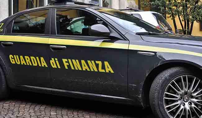 Milano. Studio commerciale con pacchetto All Inclusive: 25 arresti
