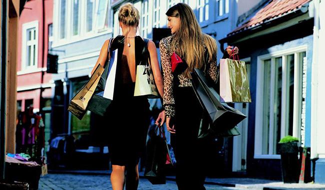 Il 9 arriva shopping di primavera tra le vie del Centro storico